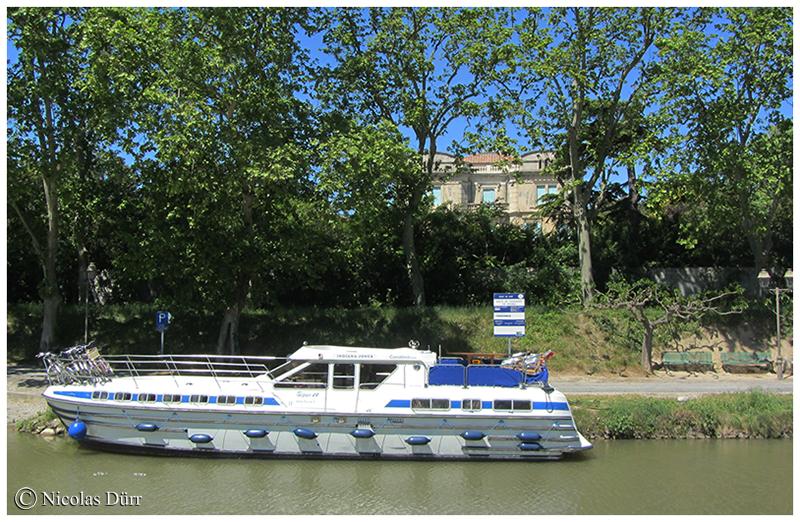 Demeure bourgeoise sur la rive gauche du Canal du Midi à Roubia