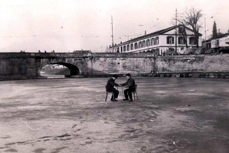 Canal gelé fevrier 1956
