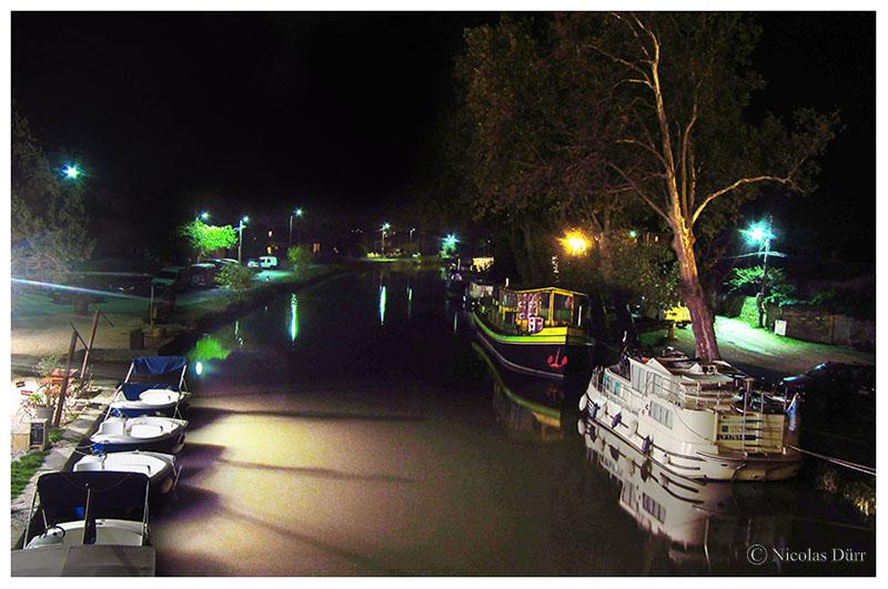 Nocturne sur les barques et la péniche-épicerie, 2016