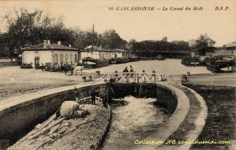 Carcassonne : Le port du Canal du Midi