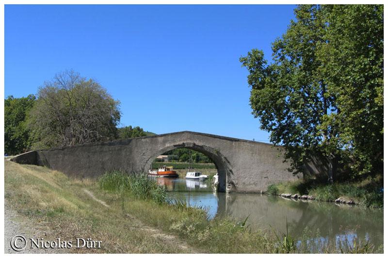 Le Pont Vieux d'Argeliers en aval, août 2015
