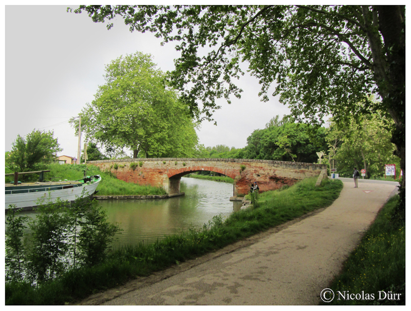 Le pont Mange Pommes en aval, mai 2015