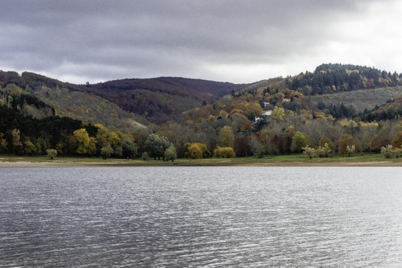 Couleurs d'automne sur Saint Ferréol